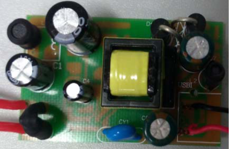 5V1.5A 充电器应用方案-电源实物图