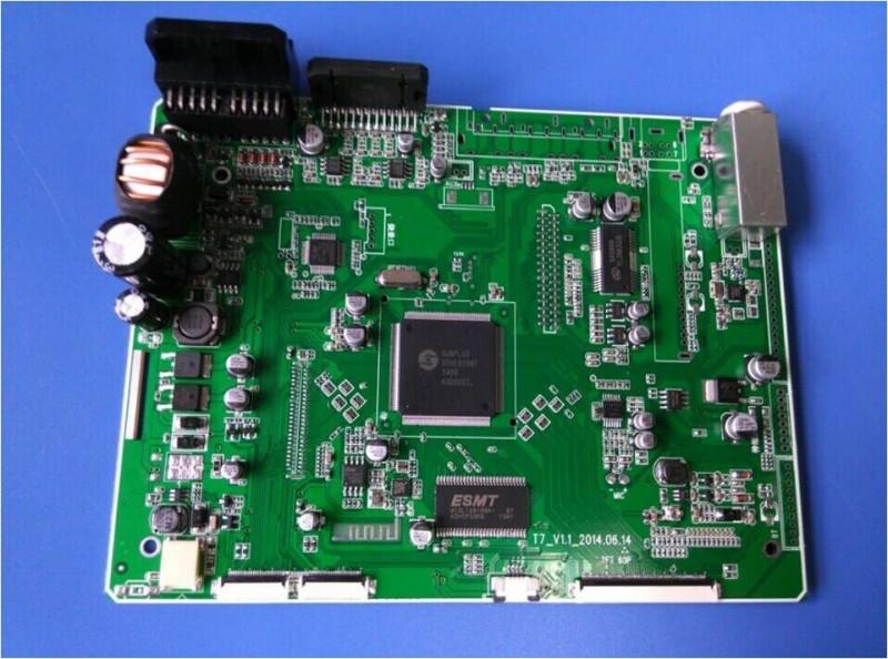 • SPHE8288T直接驱显示屏,可配有6.2寸/ 7寸/ 8寸/9寸显示屏机型选配; • 采用凌阳高集成度DVD解码IC,内置高清音视频解码,RMVB 720P; • 内置DVD机芯,可配市面上通用机芯,如日立激光头1200XH、三洋860激光头等机芯; • 蓝牙采用RDA5876A,通话更清晰,电话本,蓝牙音乐等功能; • 内置音频处理DSP,输出音质更完美; • 内置 FM/AM收音芯片,包含RDS; • 支持倒车后视AV-In